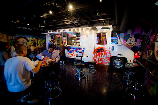 062112-211695-Calle-Tacos-Interior-Truck